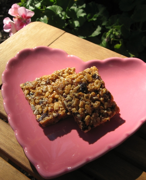 Yummy and oh-so-easy gluten-free bars are a healthy alternative to sugar-filled sweets!