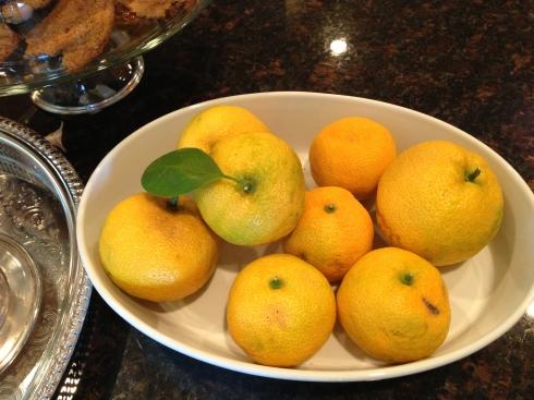 Oranges in bowl close up